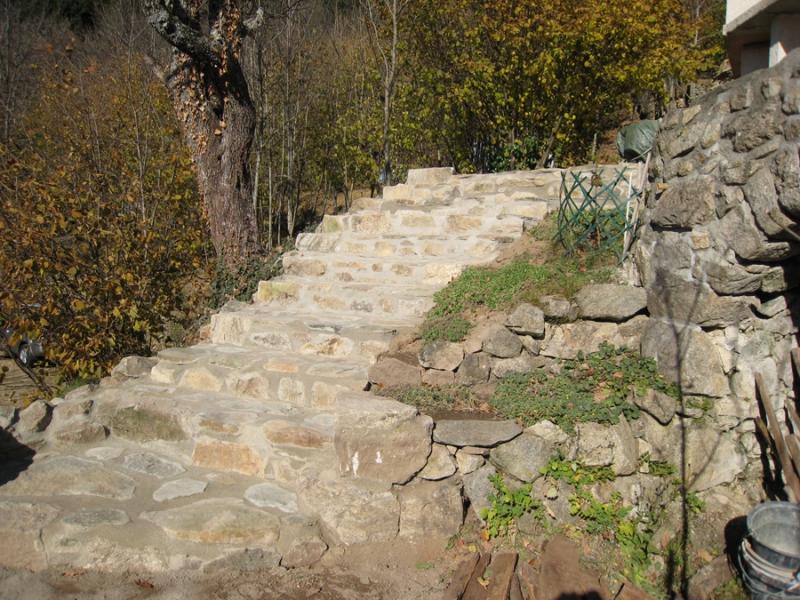 Gros uvre fa ade en pierre dans le vaucluse alain for Agrandissement maison 42